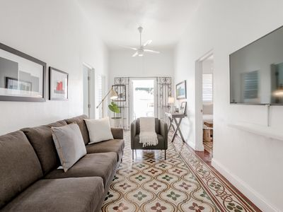 Bauhaus | Perfectly located boutique apartment!