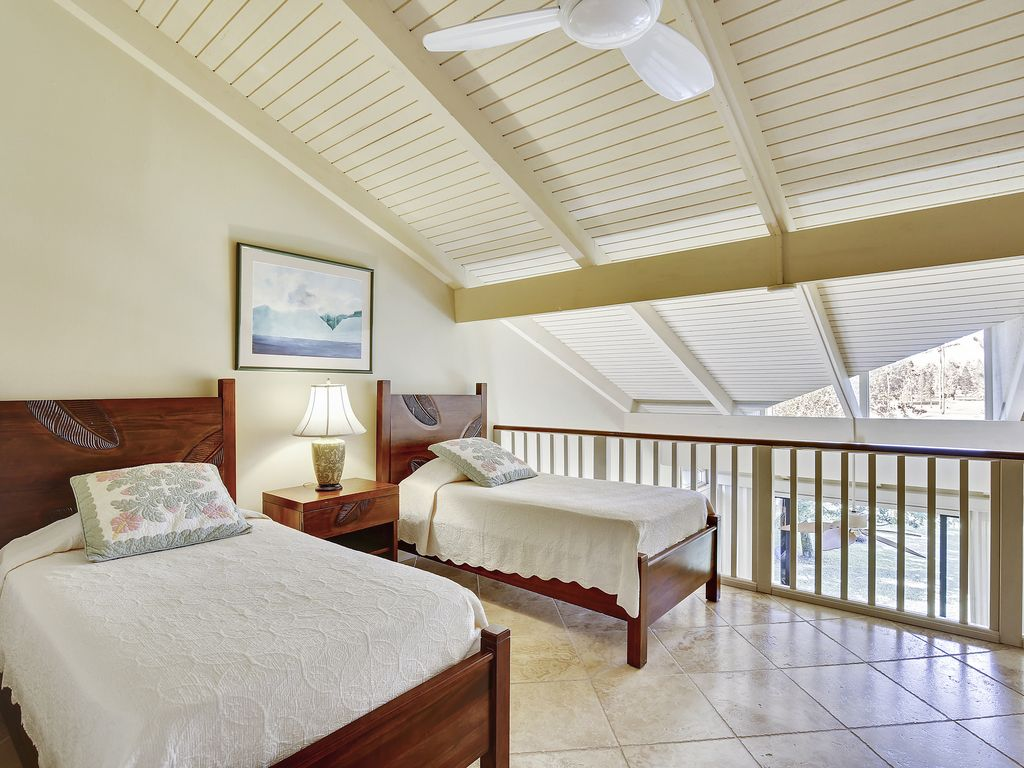 Hibiscus *** Available for 2-30 night rentals, please call