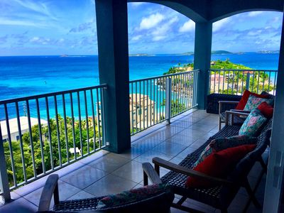 Luxury 🌴 Penthouse Paradise in Cruz Bay! Walk to Town. Relax in Pool. Quiet.