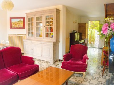 Photo for Marseille house between beaches & creeks with garden.  Linen/ Parking / Wifi