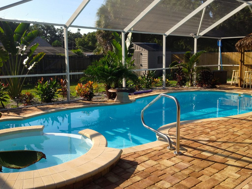 The Mermaid House Tiki Bar Heated Pool Spa ON the Pinellas Trail 743644