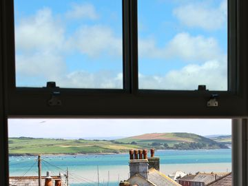 A Luxury 5 Star Gold Character Cottage/House in Padstow With Estuary Views