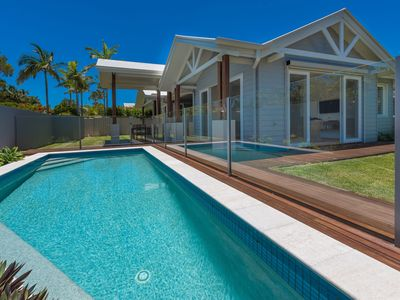Photo for Family holiday home Noosa - 2 Park Crt Noosaville
