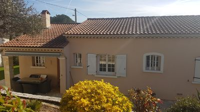 Photo for Provençal villa ideally situated with private swimming pool.