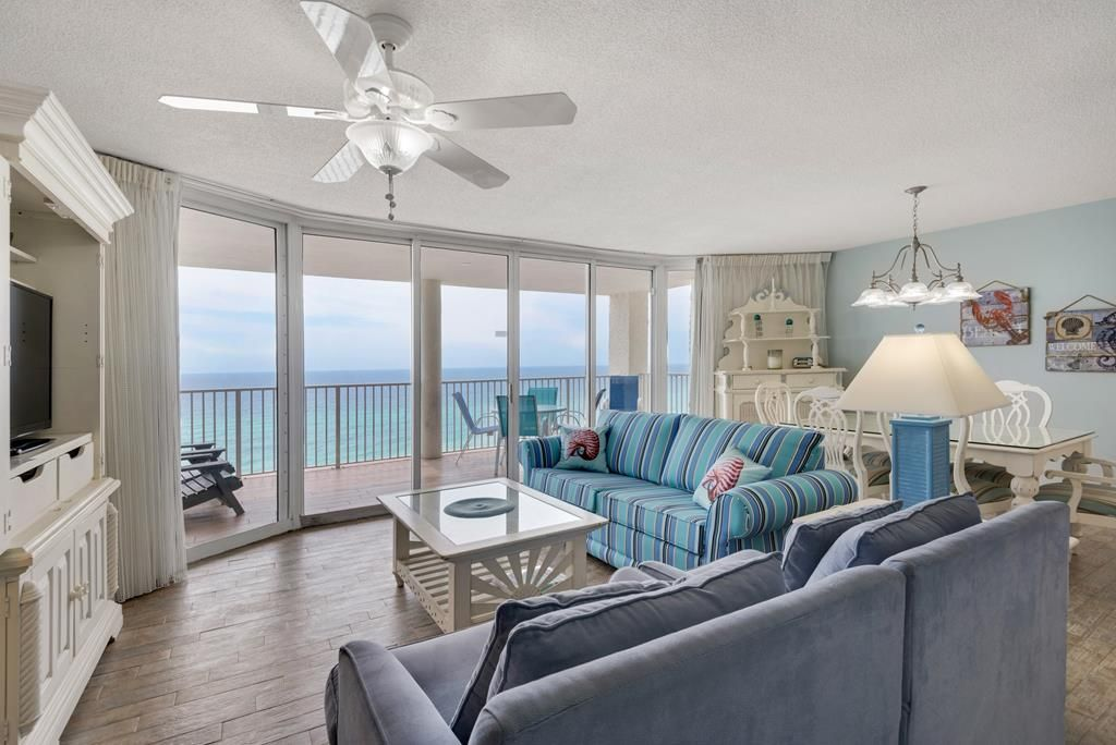 Two Oceanfront Master Suites Plus Beach Set Ups For Four
