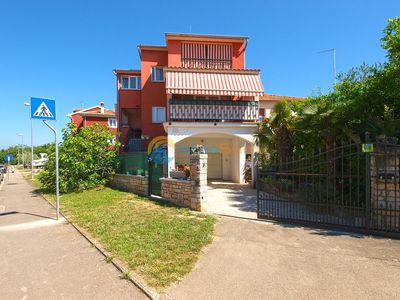 Photo for Apartment 414/943 (Istria - Rovinj), Romantic accommodation, 2000m from the beach