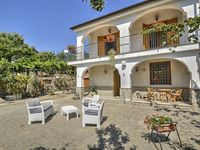 Beautifully furnished villa in idyllic rural setting yet only 15 minute drive to the Amalfi Coast