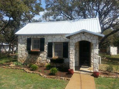 Photo for Feel At Home In A Cozy Yet Modern Cottage Located Off The Texas Hwy 90 Winetrail