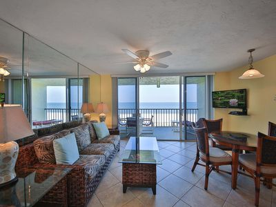 Photo for Beachfront condo w/ Panoramic view.