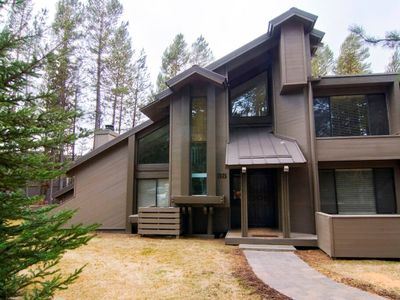 Photo for 38 Tennis Village: 2 BR / 2 BA loft condo in Sunriver, Sleeps 6