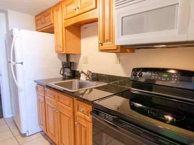 Photo for Amazing Oceanfront 1 Bedroom Condo + Official On-Site Rental Privileges