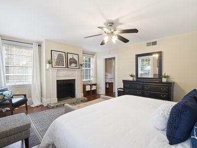 Photo for Relax in 1BR/1BA Condo Comfy King Bed at Forsyth Park! Sleeps 4!