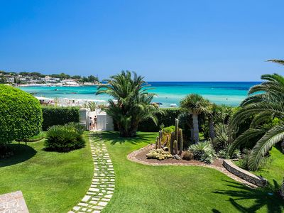 Photo for Beach front villa in Fontane Bianche