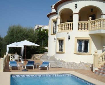 Photo for Luxury villa with magnificent mountain views, private pool, WiFi