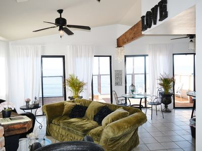 Photo for Stylish oceanfront home with spectacular views!