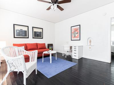 Photo for Bishop Arts Trendy Apartment