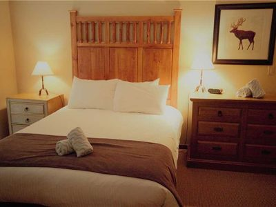Photo for Cozy ski in/ski out with kitchen, wifi, outdoor hot tub and pool, located beneath the Elk chair: 303