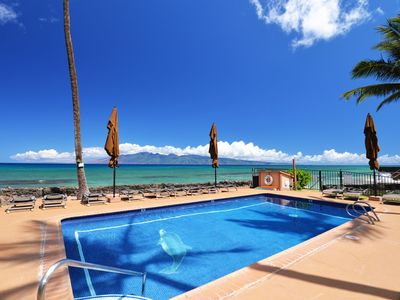 Photo for EPIC REALTY Hale Kai 208 - Oceanfront 2bdrm 2bath WORRY FREE