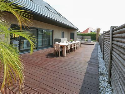 Photo for Peacefully located, villa with sauna and jacuzzi, for 14 Adults and 6 Children