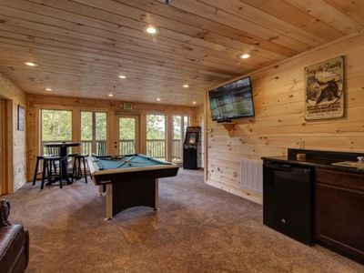 Photo for Sky View Lodge - 5 Bedrooms, 5 Baths, Sleeps 14