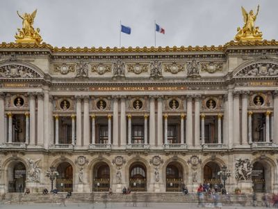 Photo for ON BANKS OF SEINE&MINUTES TO PALAIS ROYAL