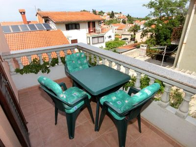 Photo for One bedroom apartment with balcony and sea view Mali Lošinj (Lošinj)
