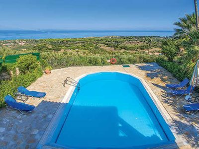 Photo for Spacious private villa with all modern comforts, including a pool table and pool