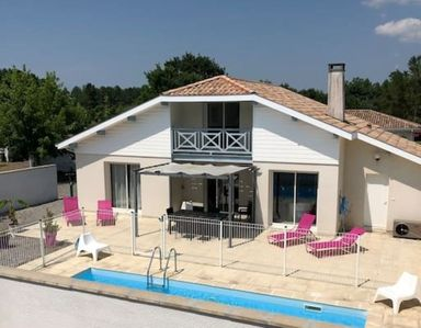 Photo for Villa with private pool, 4 bedrooms 2 shower rooms / bath