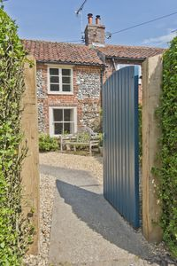 Photo for Japonica Cottage, a characterful 3 bed Norfolk flint holiday home in East Rudham