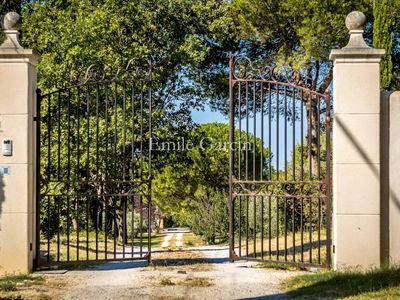 Photo for Contemporary house in Aix-en-Provence with pool and views of the countryside.
