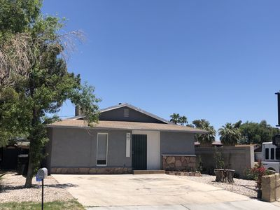 Photo for Beautiful 2b /1b home located in central of LV. Minutes away from the  strip