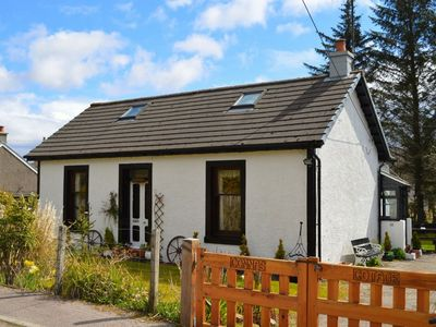 Photo for Quiet traditional cottage with enclosed garden, sleeps 4 pet friendly