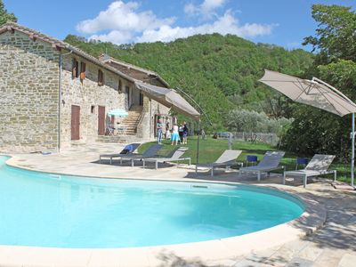 Photo for BEAUTIFUL farmhouse, with swimming pool, perfect for families and groups. Gubbio, Umbria