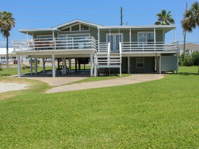 Relax and Enjoy -  Cozy Jamaica Beach Side 3rd Row 5 Beds -2 1/2 Baths