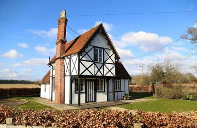 Photo for North Lodge historic self-catering detached cottage with garden, parking & pets