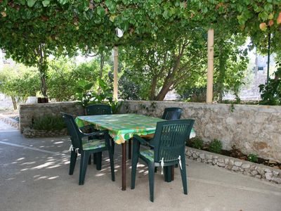 Photo for One bedroom apartment with terrace Bol, Brač (A-4659-b)