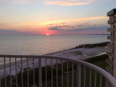 Photo for Beach Front, 2 bed/2 bath, 10th floor, elevator, heated pool, newly remodeled