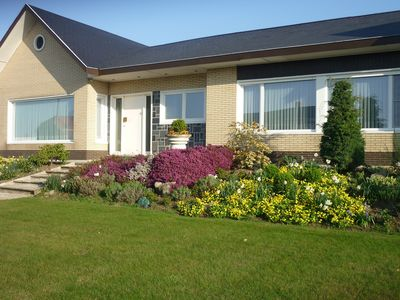 Photo for Spacious and comfortable house with infrared cabin, billiards and treadmill