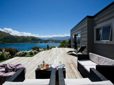 Photo for Sunny Cottage with fantastic water views