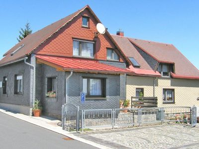Photo for Apartment in the Thuringian Forest with separate entrance, garden and garden house