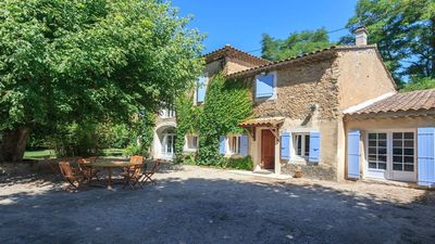 Photo for Provencal farmhouse with pool and landscaped garden, Orange nearby.