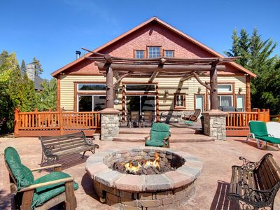 LAKEFRONT CHALET ON BOULDER BAY, BOAT DOCK, UPDATED, HUGE PATIO