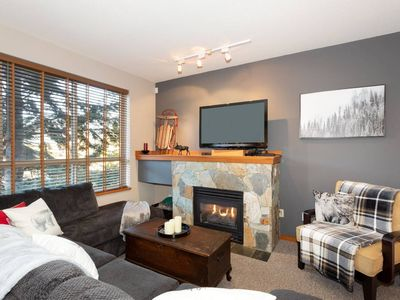 Photo for Exquisite 2Br/3Ba Townhouse - Hot Tub, Free parking
