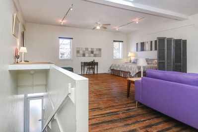 2nd floor Loft with stairs to Broadway Street