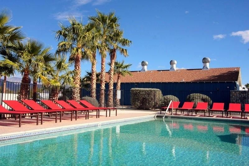 Cozy 2 Bedroom W Resort Pools Waterslides Wifi Minutes To Downtown Palm Springs California