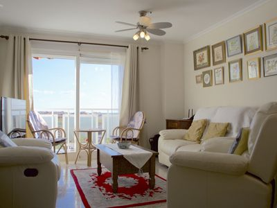 Photo for Cozy apartment with sea view, free wifi, parking.