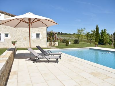 Photo for Gîte (max 5 people) with pool amongst the vineyards in the Entre deux Mers area