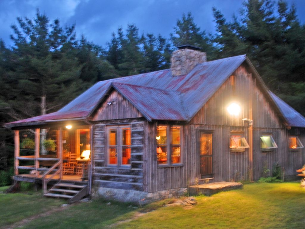 secluded rustic log cabin at 4 000 ft with spectacular views modern amenities