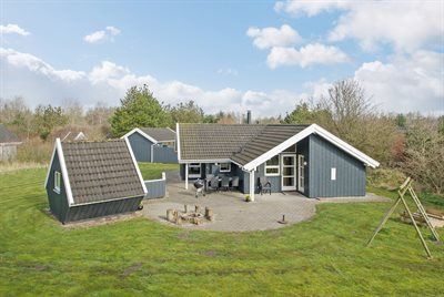 Photo for 4 bedroom accommodation in Oksbøl