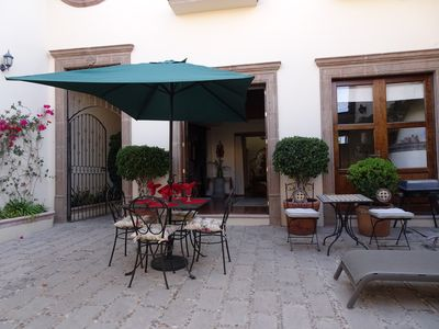 Courtyard with lots of seating